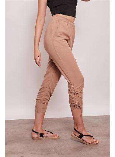 Jument İç Göstermez Viskon Poplin Beli Lastikli Cepli Paçası Büzgülü Rahat Pantolon -Mint Camel